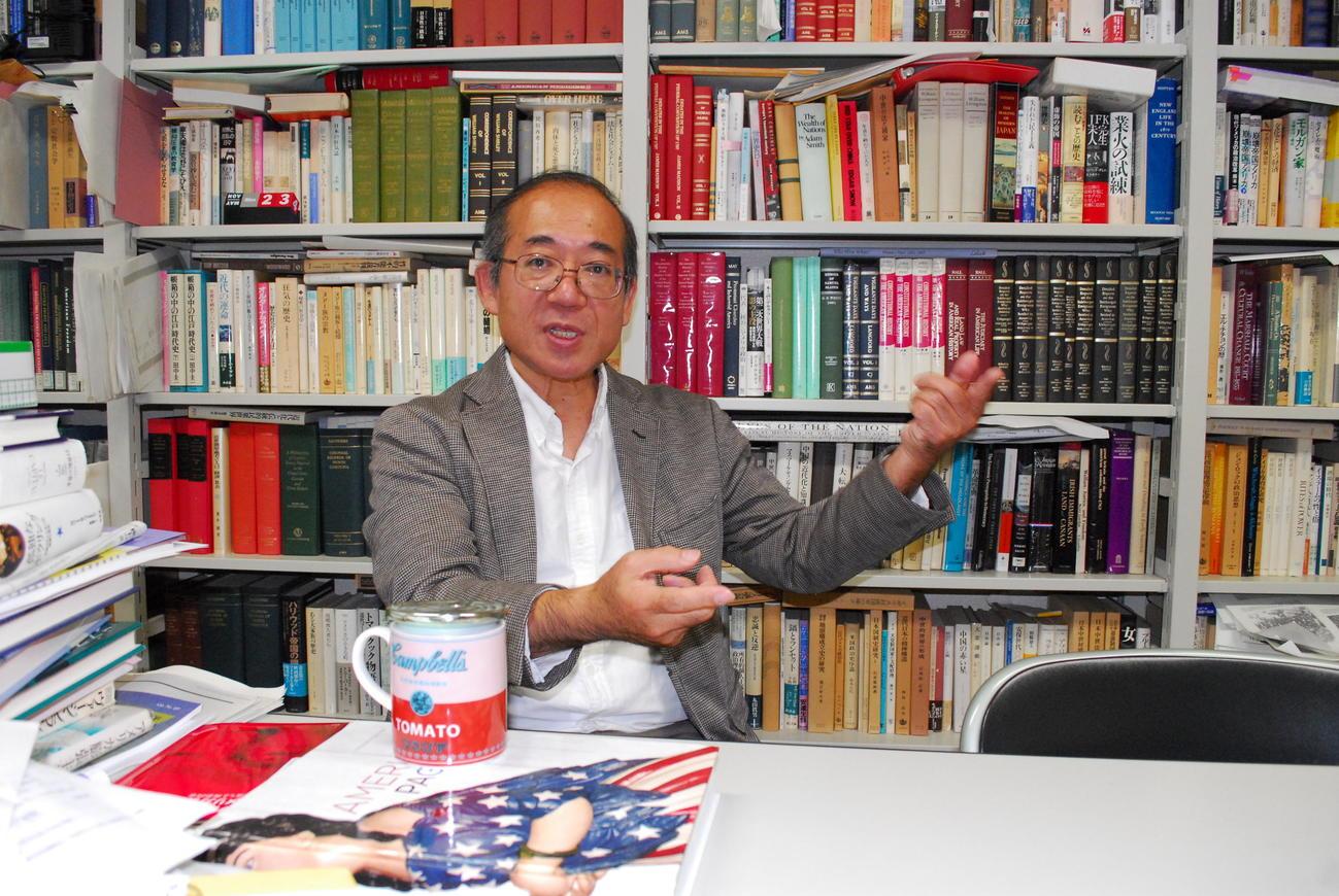 東京外国語大学の国際社会学部副学部長の金井光太朗教授