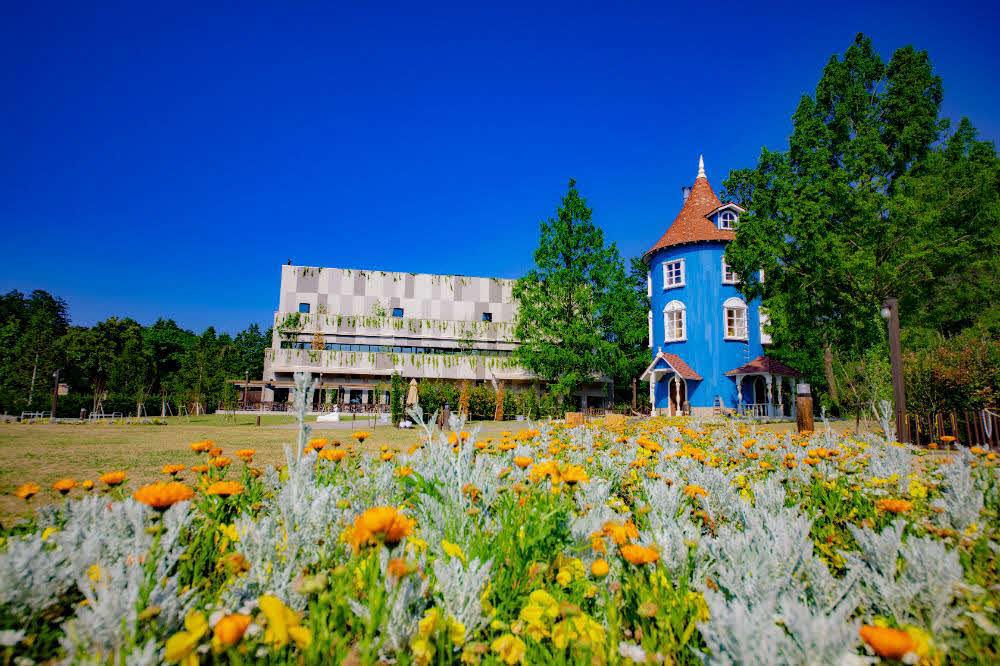 花が咲き誇る春のムーミンバレーパーク