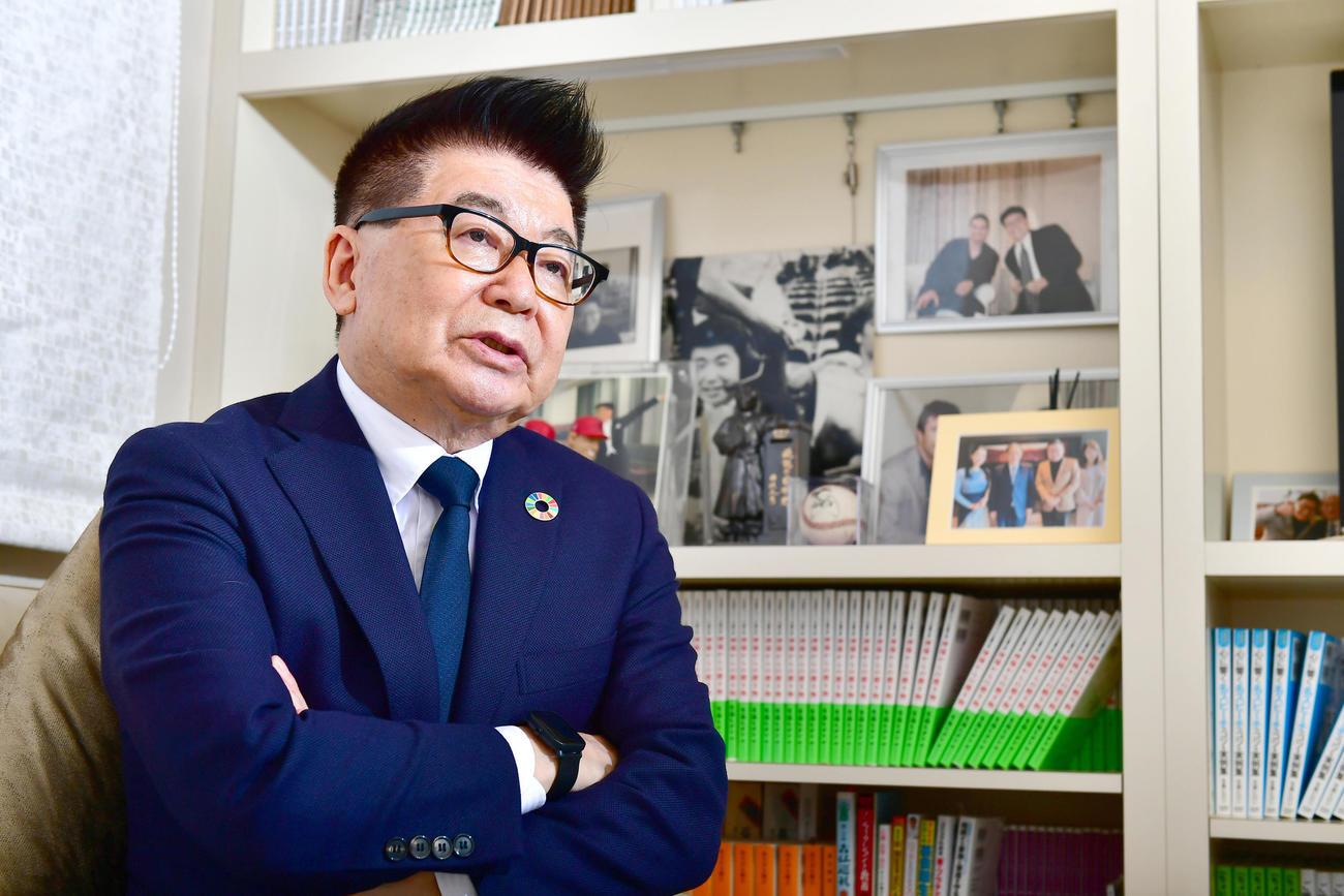 発生から10年を迎える東日本大震災について語る生島ヒロシ(撮影・小沢裕)