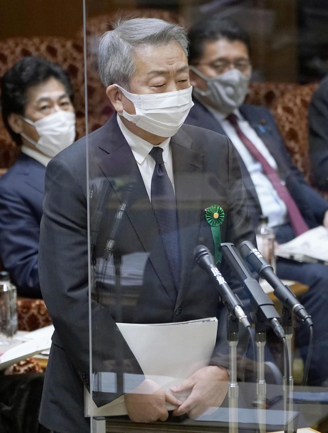 参院予算委に参考人として招致され、質問に答えるNTTの澤田純社長(共同)