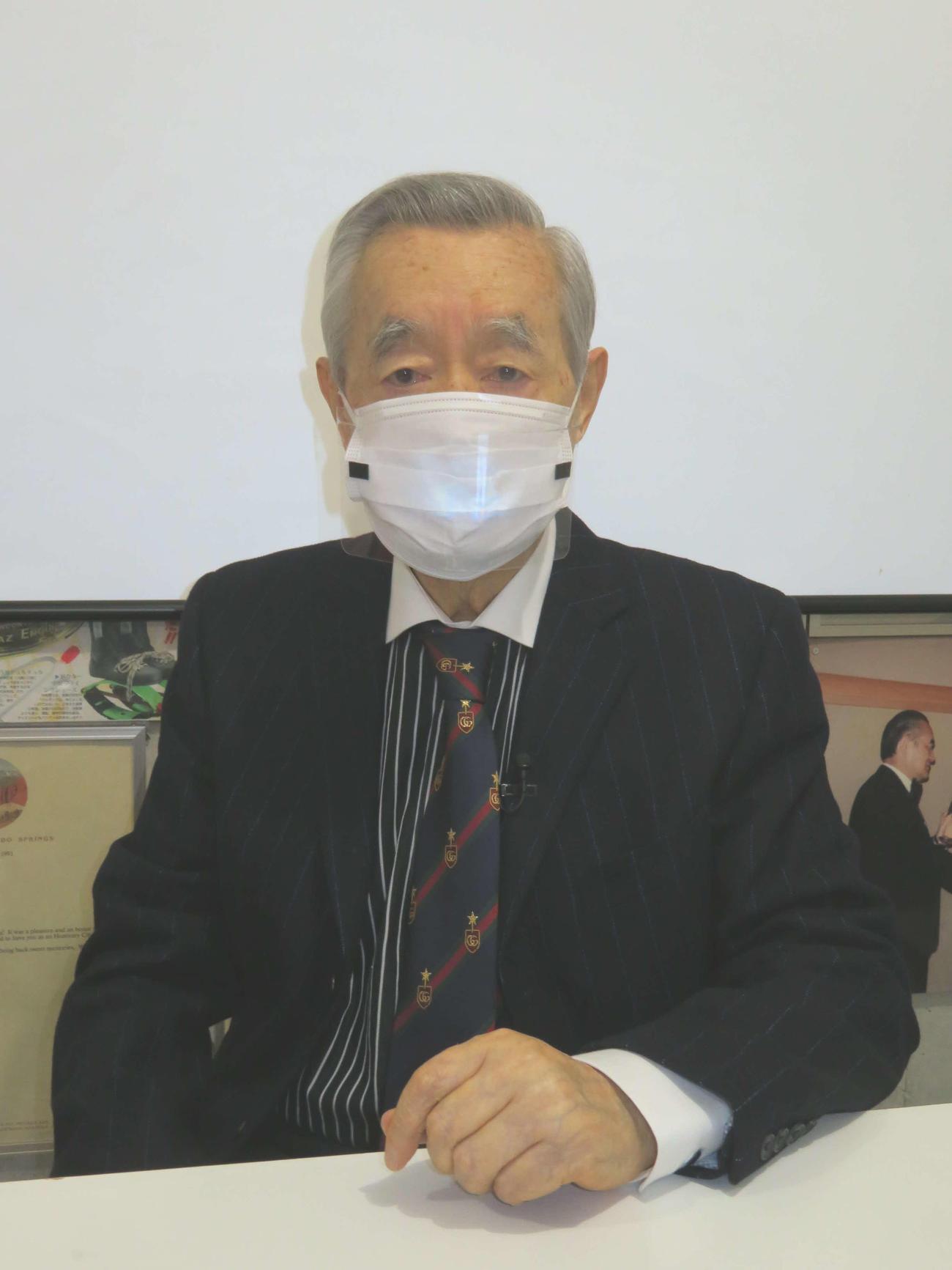 新型コロナウイルスの新発明「目スク」を発表したドクター・中松氏(撮影・村上幸将)
