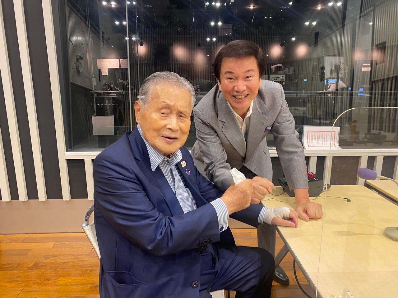 森田健作(右)のラジオ番組にゲスト出演する森喜朗氏