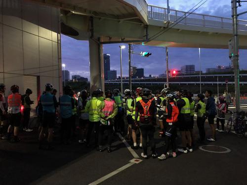 新横浜大橋下のスタート地点