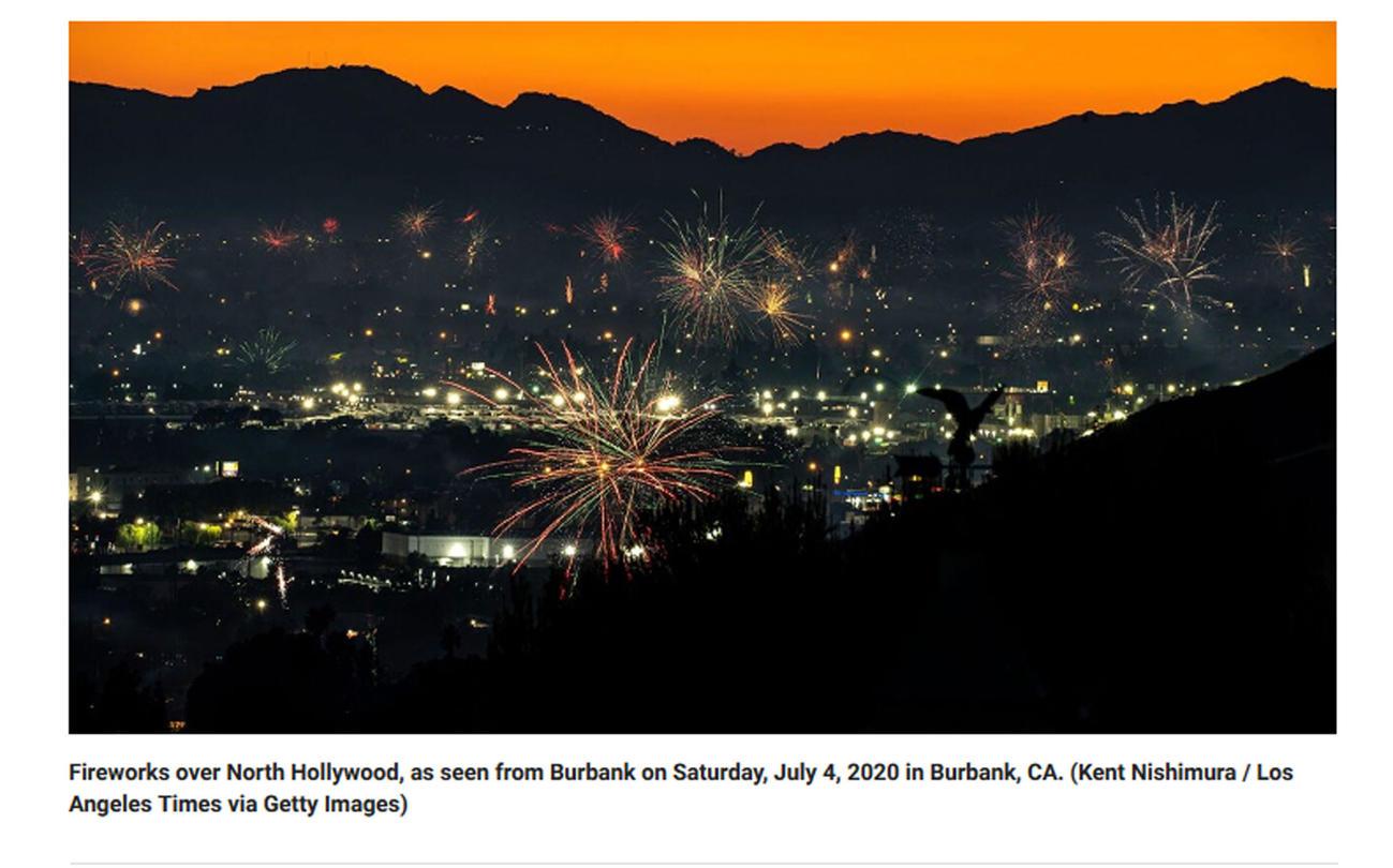 これほど多くの違法花火の打ち上げは見たことがないと誰もが口をそろえた今年のLAの独立記念日の夜空を彩る花火を伝えるLAタイムズ紙の写真