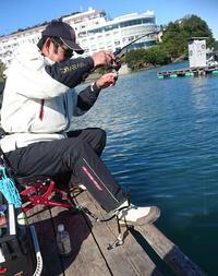 三重・浜辺湾 カイズ20~35cmを5人で180匹 - 釣り : 日刊スポーツ