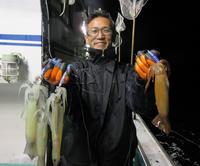 北海道・幌武意沖 ま、いっか~どころかマイカ満足 - 釣り : 日刊スポーツ