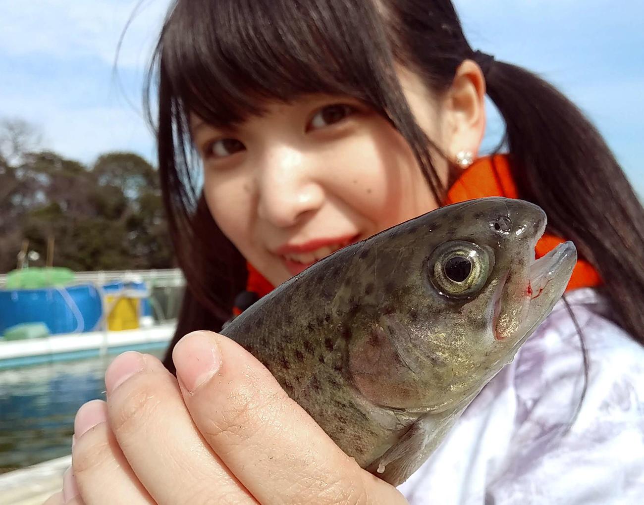 初ニジマス…というか生まれて初めて魚釣りました