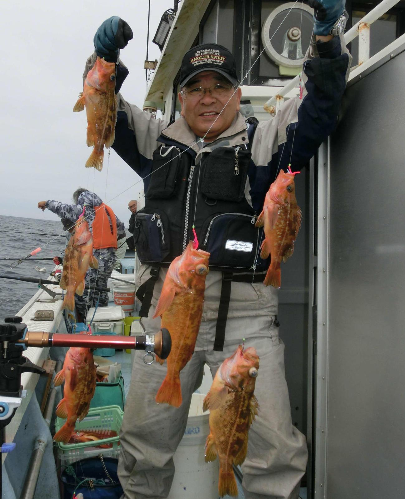 ヤナギノマイを一度に8匹釣った札幌市の石黒努さん