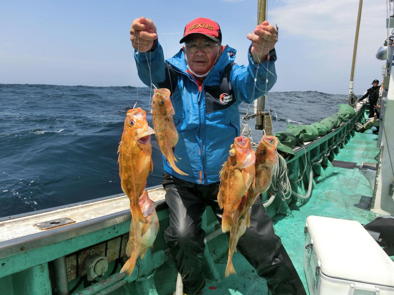 ヤナギノマイを針数釣り上げた玉村秀夫さん