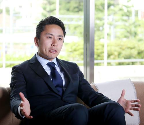 インタビューに答える日本フェンシング協会太田会長(撮影・河田真司)