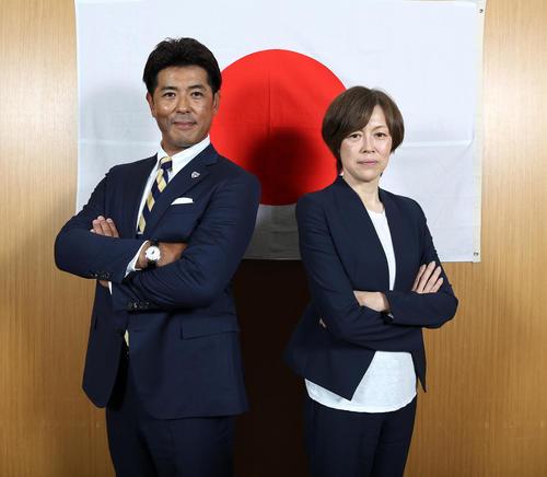 稲葉監督(左)と中田監督(撮影・大野祥一)