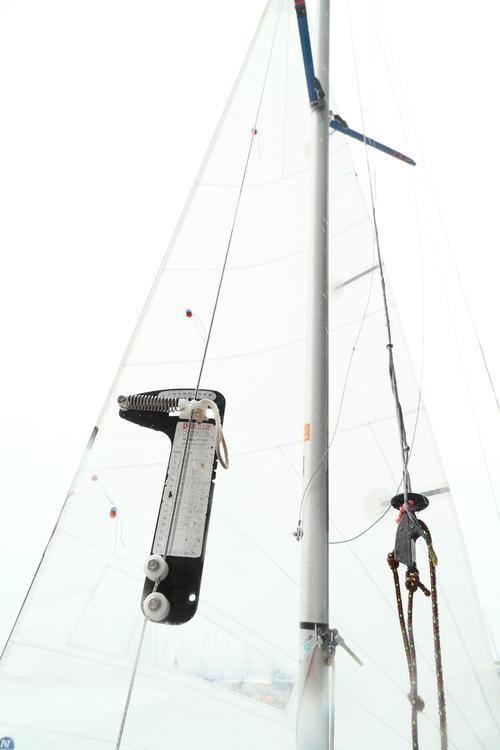 艤装(2)テンションゲージでマストの傾きを測る