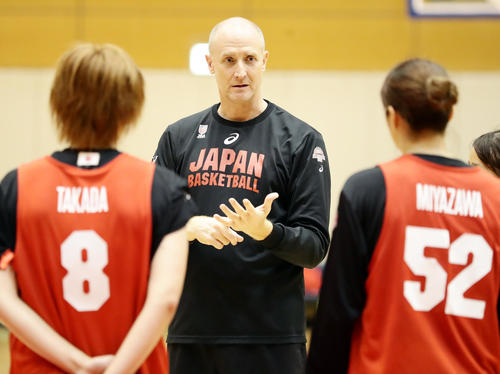トム・ホーバムヘッドコーチ
