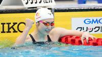 日本選手権女子100メートルバタフライで優勝しガッツポーズする池江(2021年4月4日撮影)