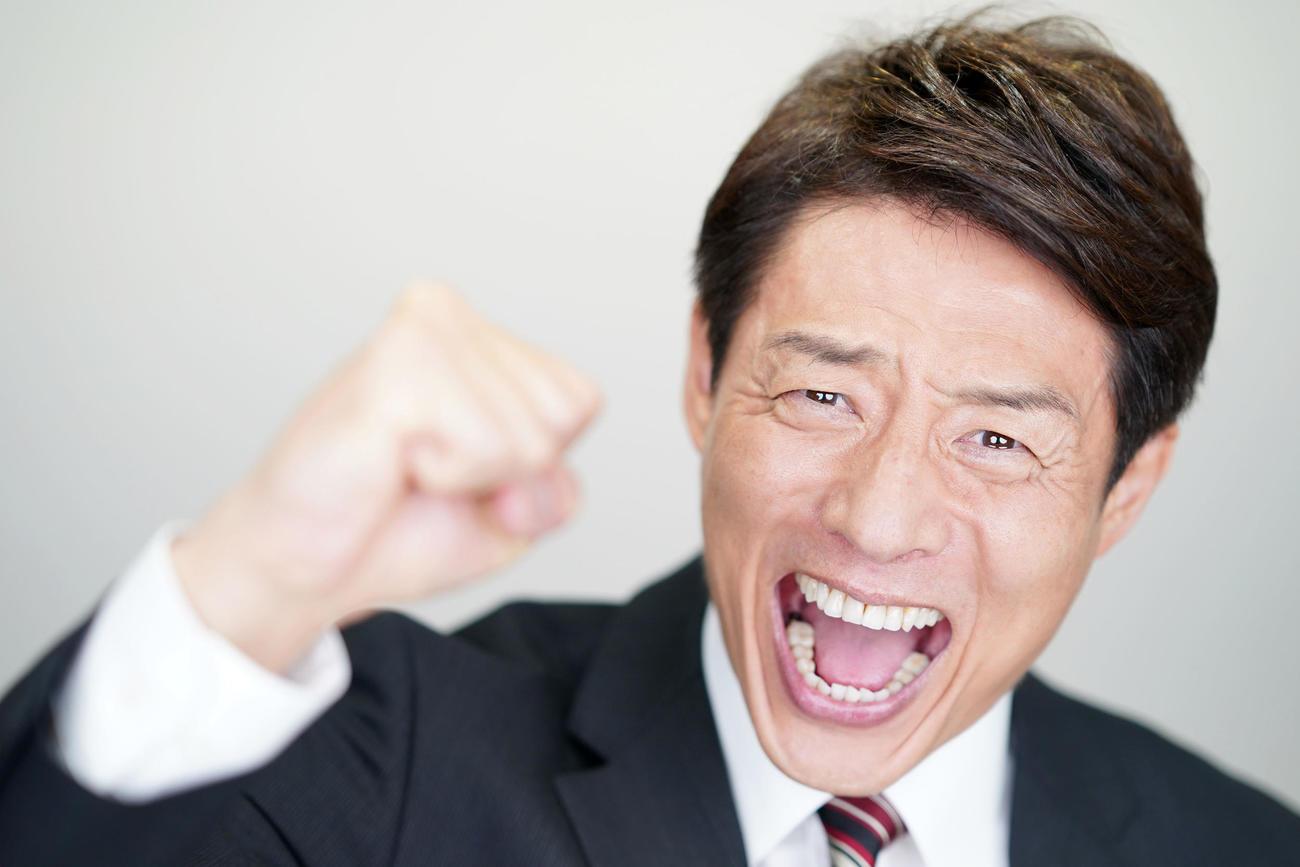 テレビ朝日の五輪メインキャスターとして、レンズ越しにメッセージを伝える松岡修造(撮影・横山健太)