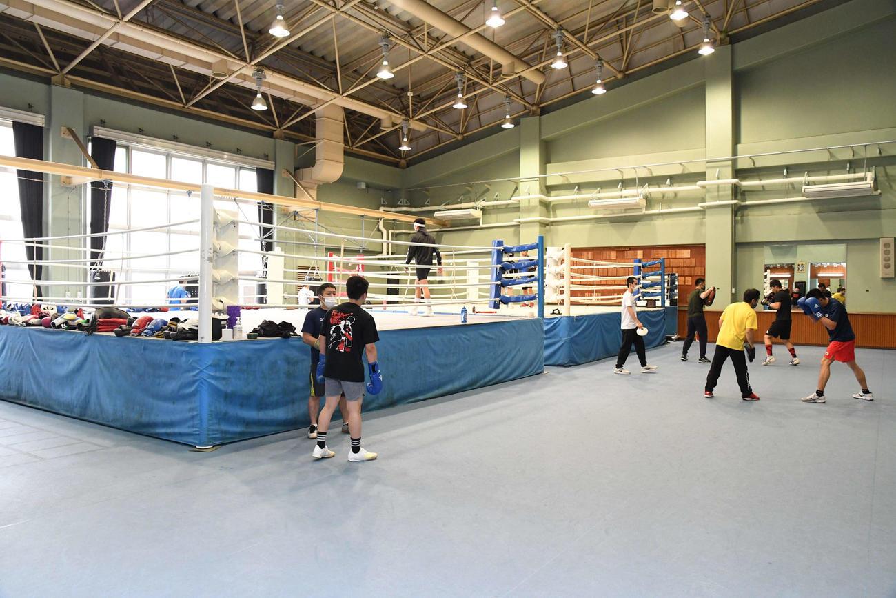 ボクシング道場(自衛隊体育学校提供)