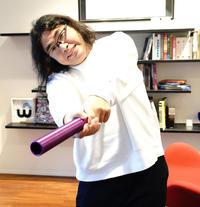 日本ホッケー協会公認ホッケーアンバサダーを務めるお笑いコンビ「ロッチ」中岡創一
