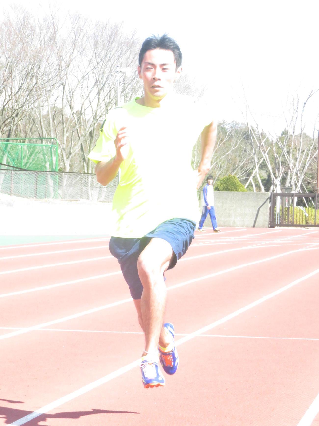 東京パラリンピック出場を目指してトレーニングを積む岸田悠弥(撮影・小堀泰男)