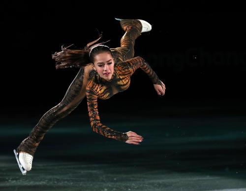 平昌五輪 フィギュアスケート・エキシビジョン 演技するアリーナ・ザギトワ(撮影・PNP)=2018年2月25日