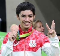 白井健三、新技「シライ2」で銅/スライドショー - 体操 : 日刊スポーツ