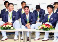 柔道日本代表が帰国 ベイカー「連覇を目指したい」 - 柔道 : 日刊スポーツ