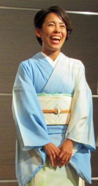 上田藍に父が描いた着物 会場の「コパカバーナ」 - トライアスロン : 日刊スポーツ