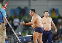 判定に下着姿で猛抗議 レスリングのモンゴル - レスリング : 日刊スポーツ