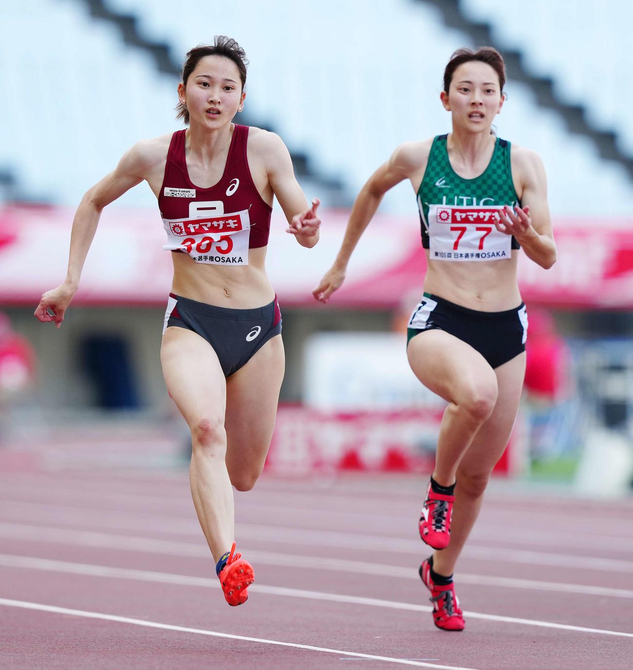 女子100メートル予選5組に出場する壱岐姉妹。左は1着の妹あいこ、右は6着の姉いちこ(撮影・江口和貴)
