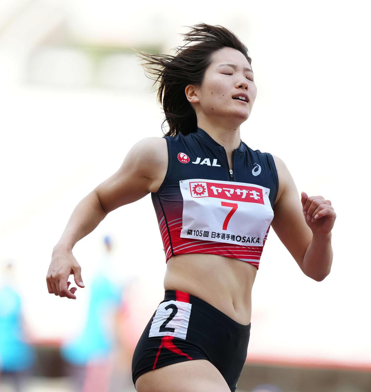 女子100メートル予選3組、6着の土井(撮影・江口和貴)
