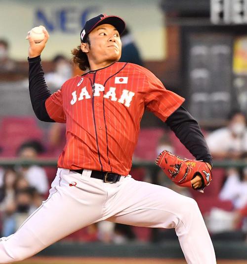 巨人対日本代表 日本代表2番手の伊藤(撮影・上田博志)