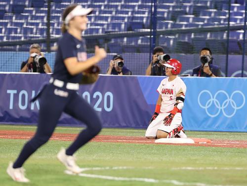 日本対米国 1回表日本2死三塁、遊ゴロに倒れた山本(撮影・河野匠)