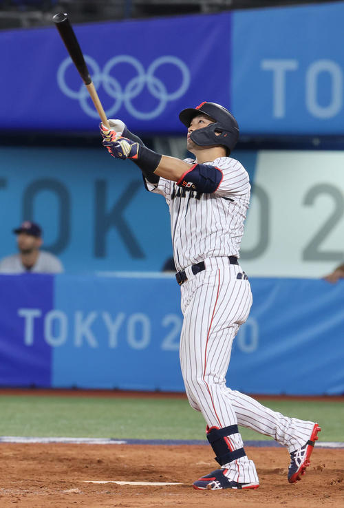 日本対米国 5回裏日本無死、本塁打を放つ鈴木(撮影・河野匠)