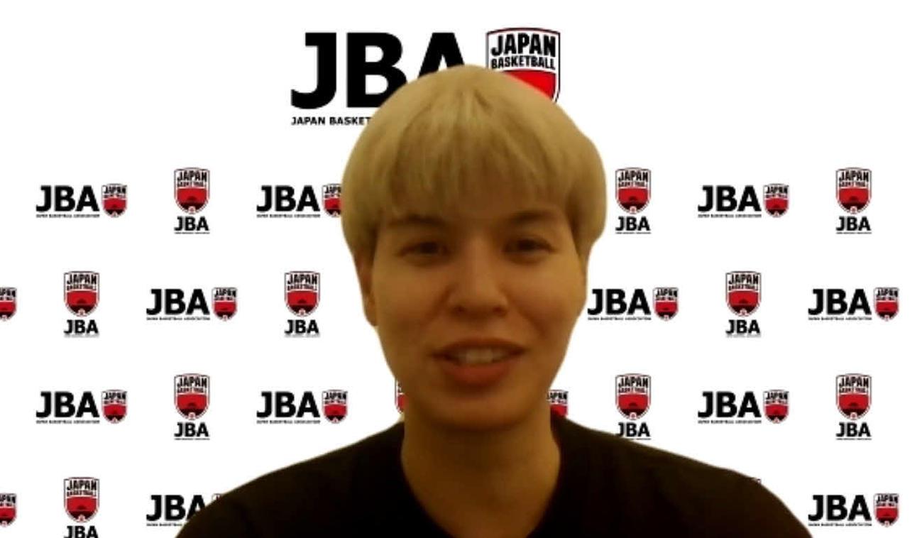 強化合宿先からオンライン取材に応じる、東京五輪バスケットボール女子日本代表候補の渡嘉敷
