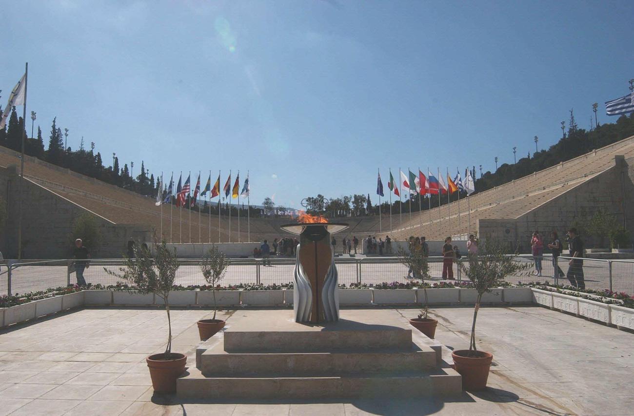 アテネ五輪でマラソンのゴールとなるパナシナイコ競技場