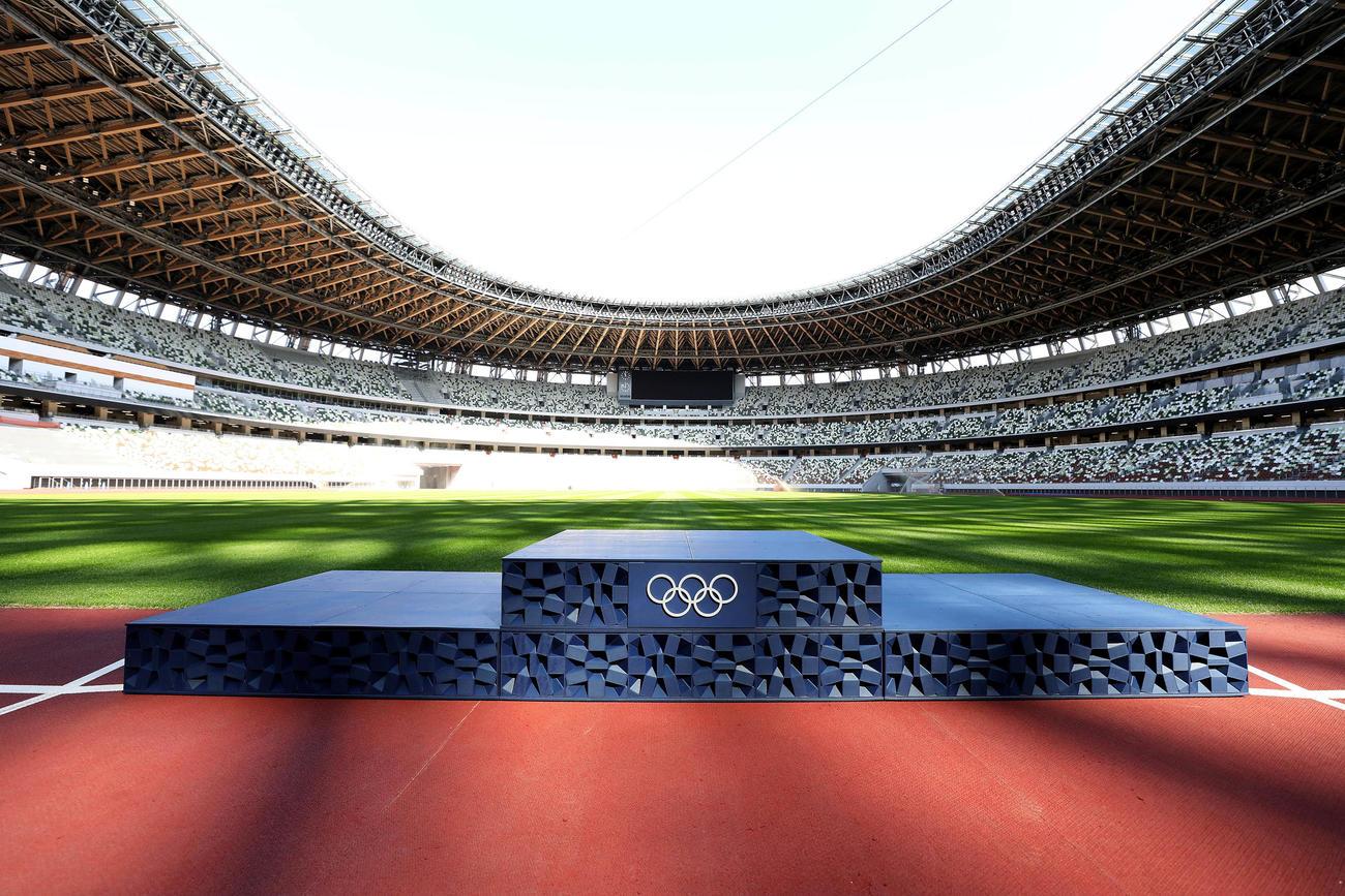 開幕50日前にお披露目された東京五輪の表彰台