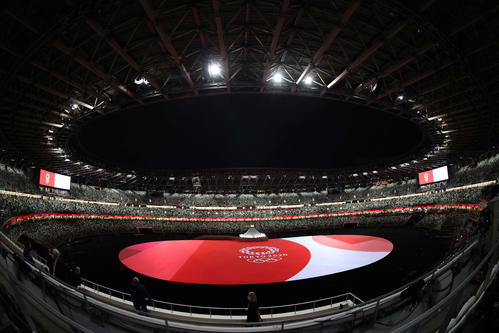 開会式準備の進む国立競技場(撮影・河野匠)
