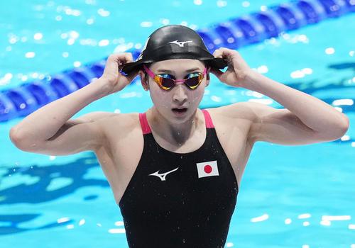 競泳女子400メートルリレー予選2組 2番手で泳ぎ終えた池江