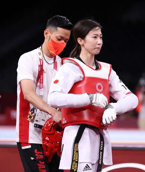 女子49キロ級3位決定戦、ボグダノヴィッチ敗れ、メダルの逃し悔しさを静かにかみしめる山田(撮影・河野匠)