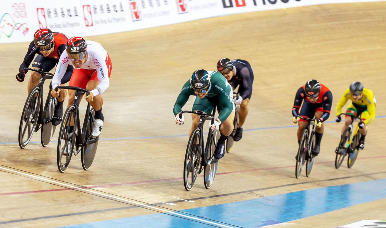 自転車トラック種目ネーションズカップの男子ケイリンで準決勝に進んだ脇本雄(共同)
