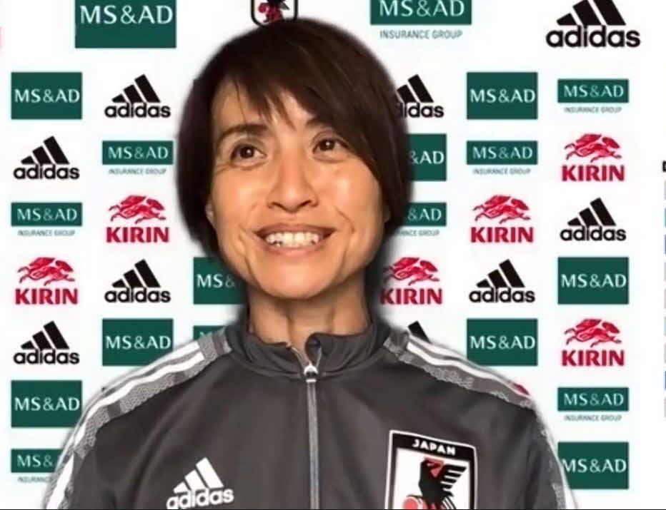 会見に応じた、なでしこジャパン高倉麻子監督