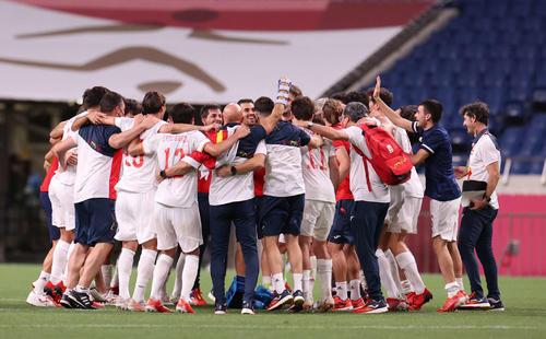 日本対スペイン 決勝進出を決め喜ぶスペインイレブン(撮影・河野匠)