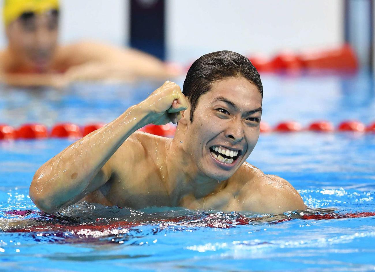 16年8月、リオデジャネイロ五輪競泳男子400メートル個人メドレー決勝で金メダルに輝いた萩野