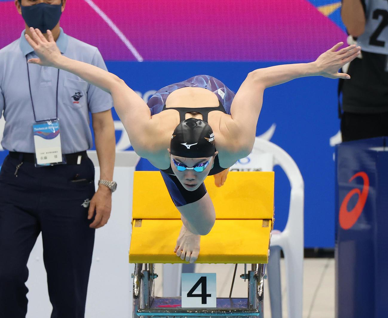 女子100メートル平泳ぎで2位の青木(代表撮影)