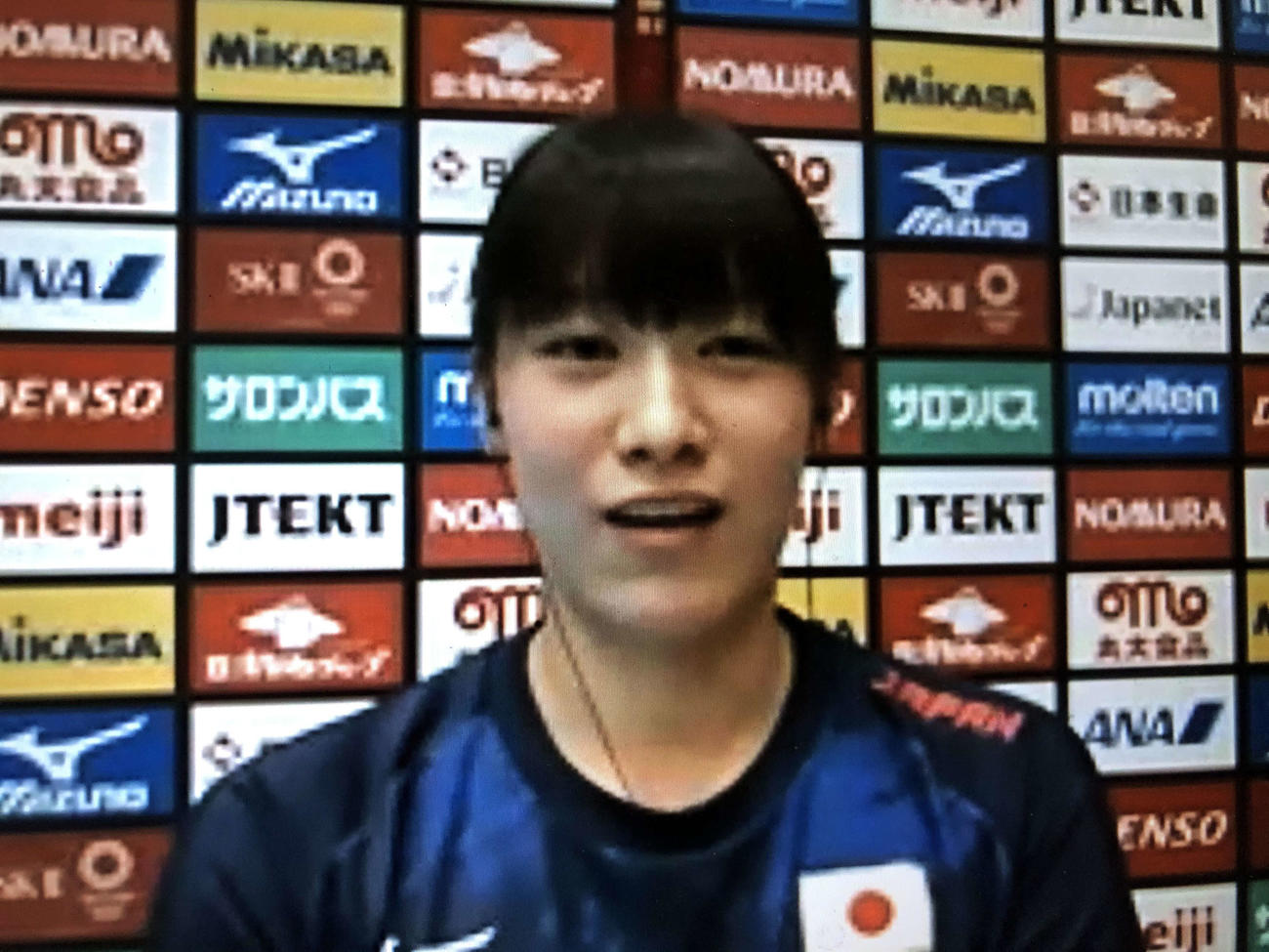リモート囲み取材に応じるバレーボール女子日本代表の石川(撮影・平山連)