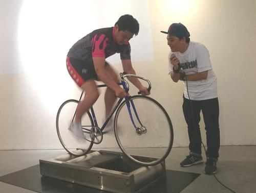 佐藤龍二はローラーで時速80キロを出す。来期はS級1班。大暴れに期待(18年5月18日撮影)