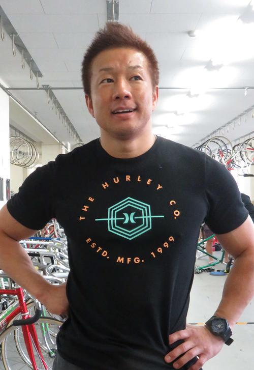 小倉竜二。天才レーサーが四国のまとめ役として奮闘している