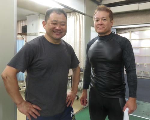 <12>97年日本選手権などG12勝、G21勝の浜口高彰(左)と長年激闘を演じてきた九州の重鎮・西川親幸