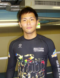 土居佑次、悔しさバネに絶大な人気に応えた/小倉 - ミッドナイト競輪 : 日刊スポーツ