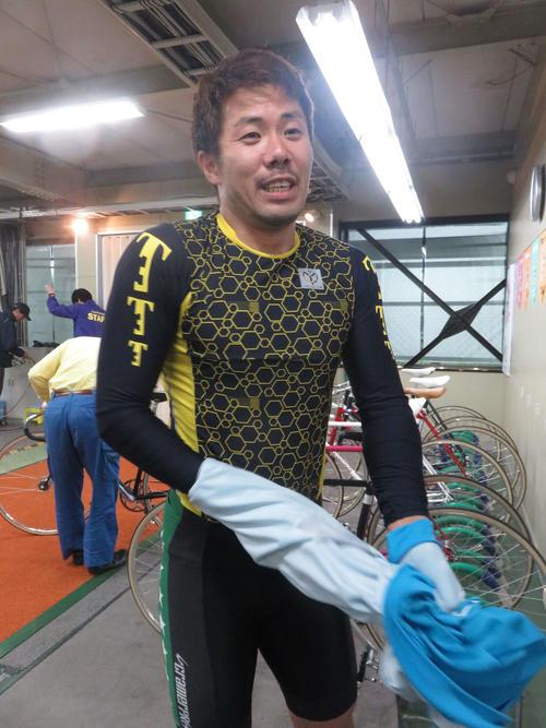 ホームからのロングまくりで待望の今年初勝利を挙げた鈴木豪(撮影・山本幸史)