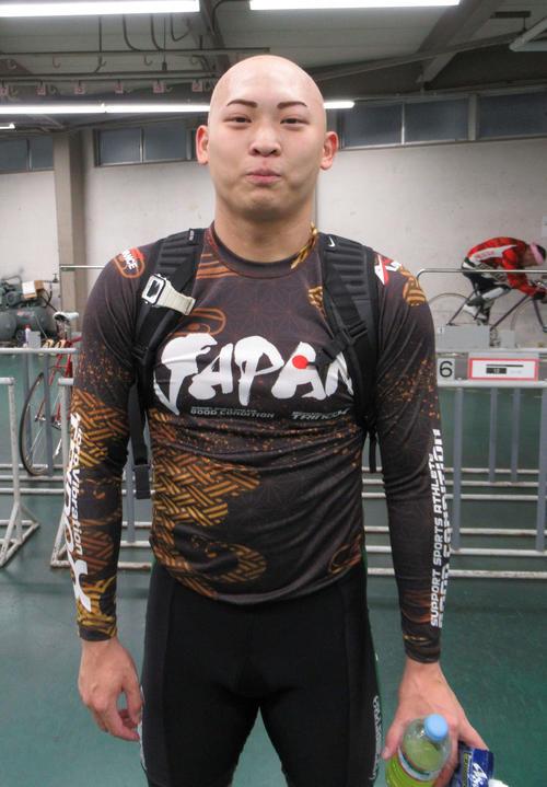 門脇翼が4月の大腿骨骨折後、8カ月ぶりの勝利を飾った(撮影・山田敏明)